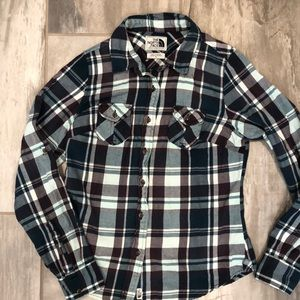 Woman's The North Face button up flannel